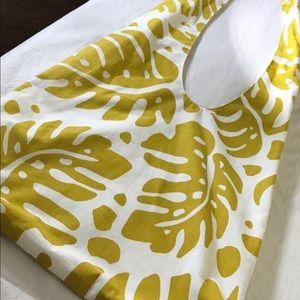 Big leaf cotton market tote bag